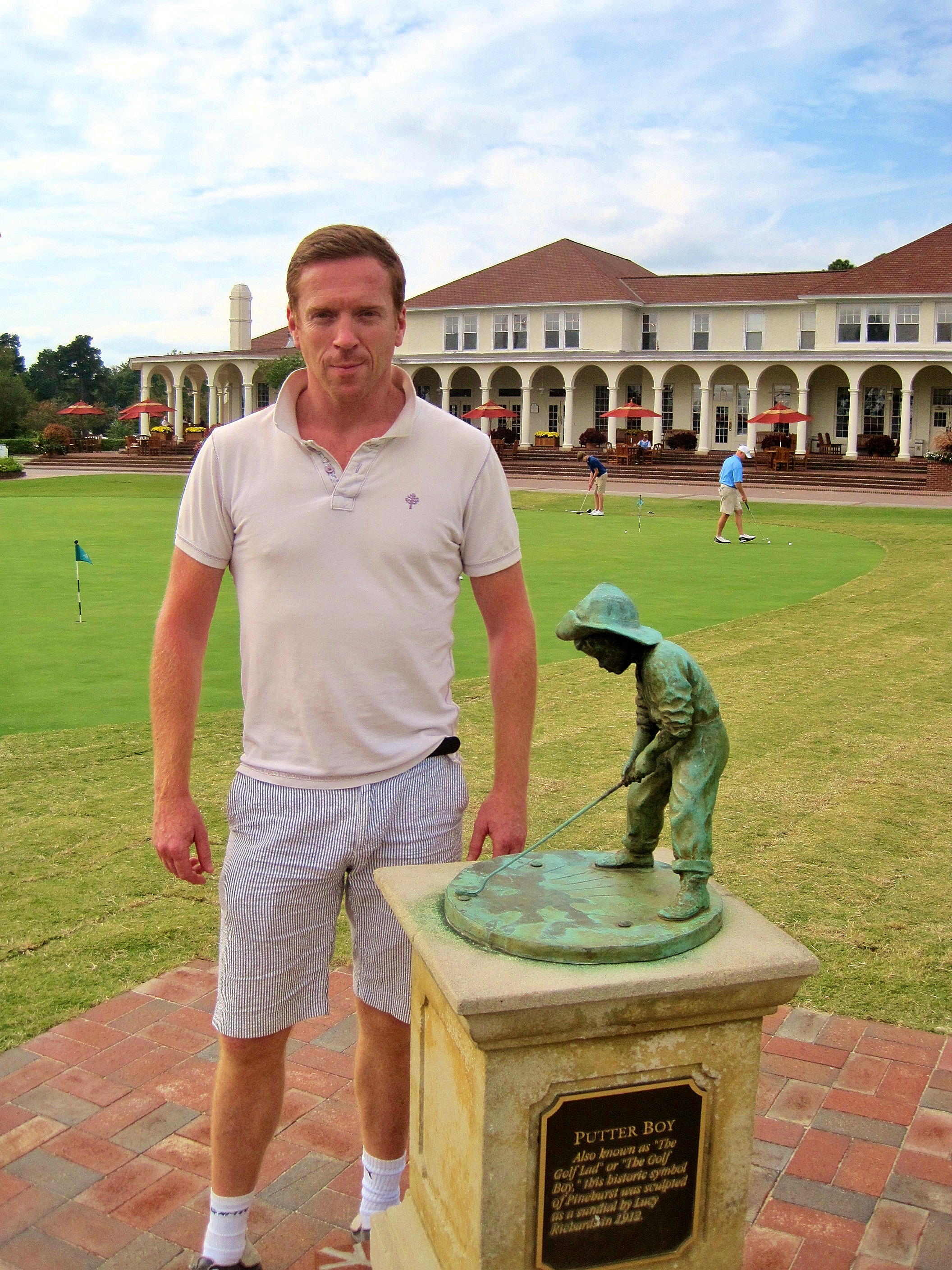 Homeland star and Emmy winner Damian Lewis visits Pinehurst.