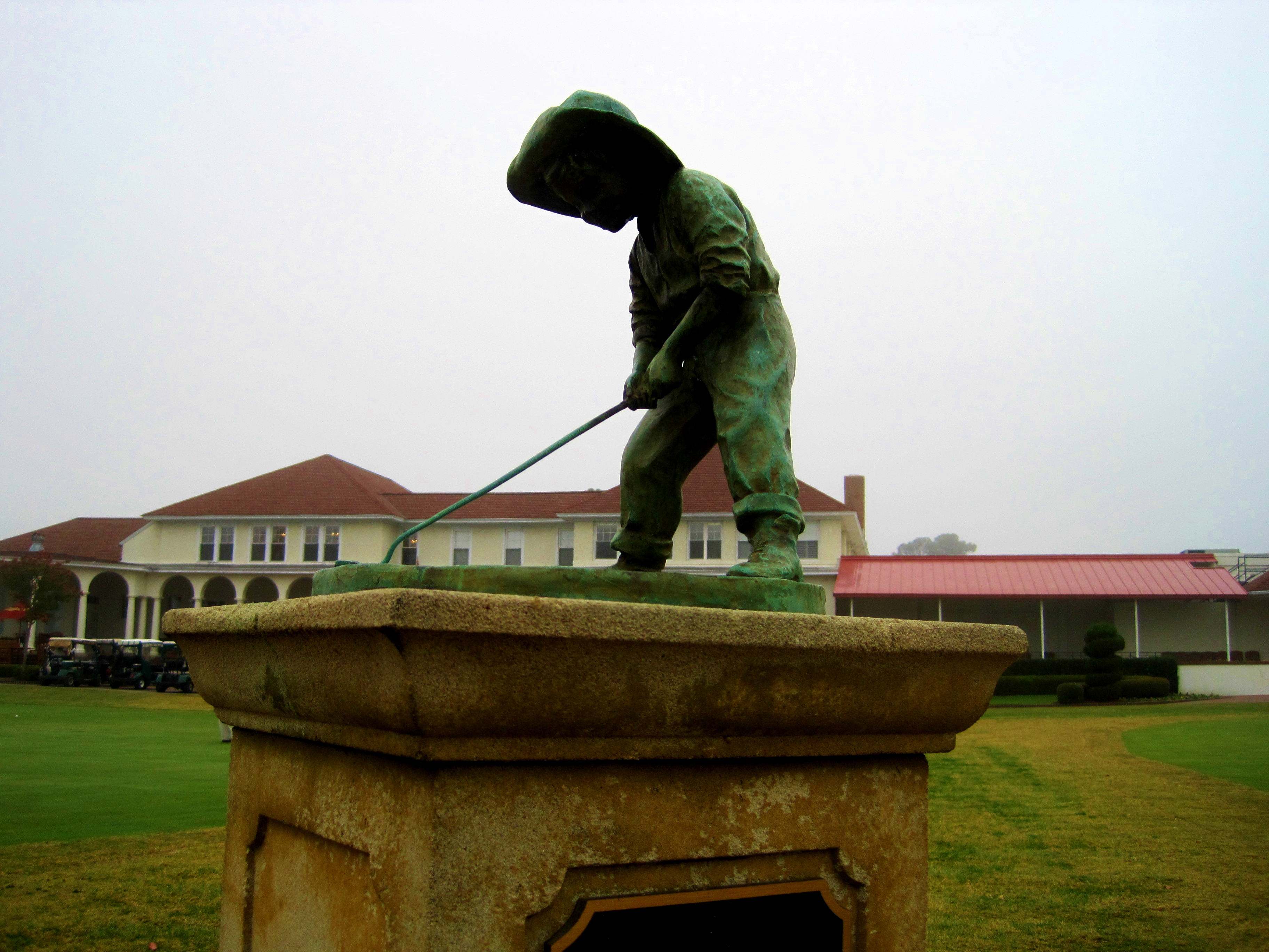 Pinehurst Putter Boy in fog.