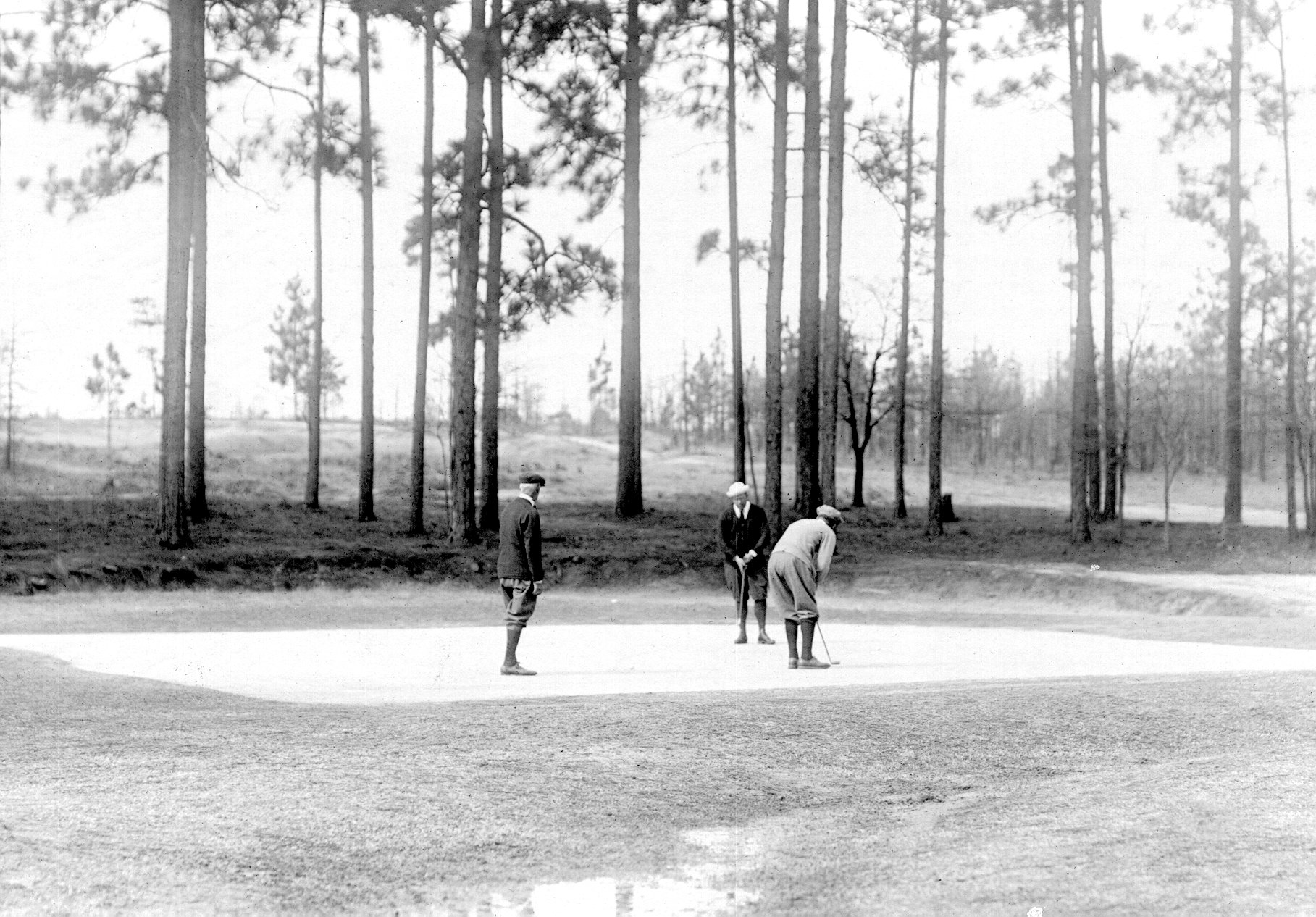 A sand green on an early photo of Pinehurst No. 2. Photo courtesy of the Tufts Archives.