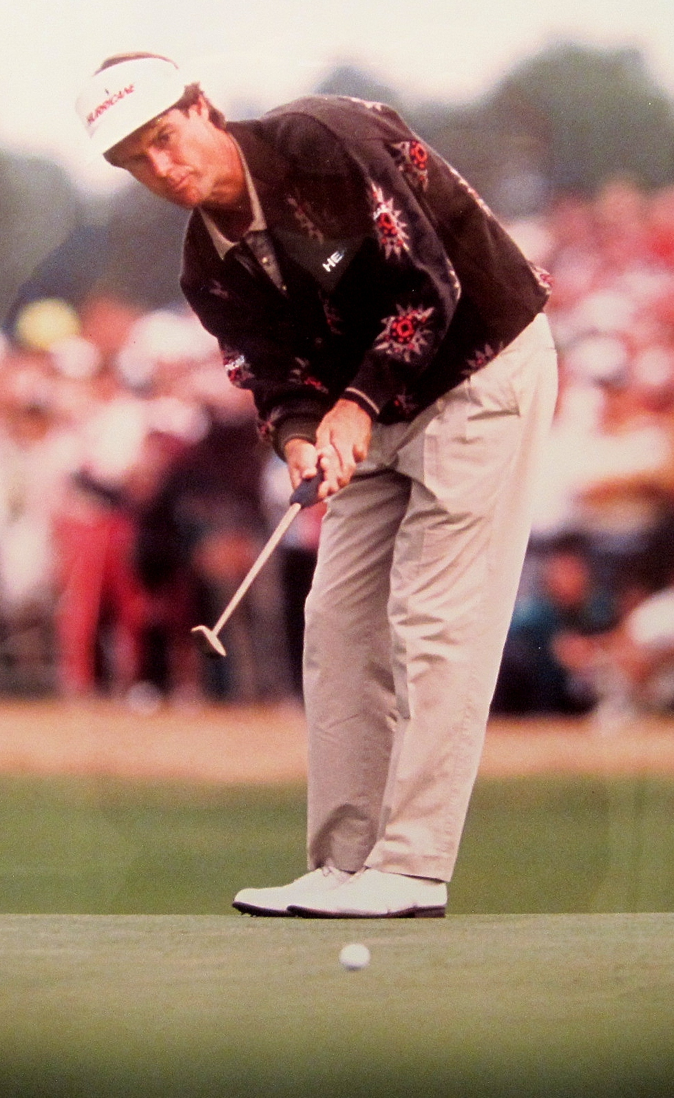 "Using a putter referred to as ""The Thing,"" Paul Azinger wins the 1992 Tour Championship at Pinehurst."