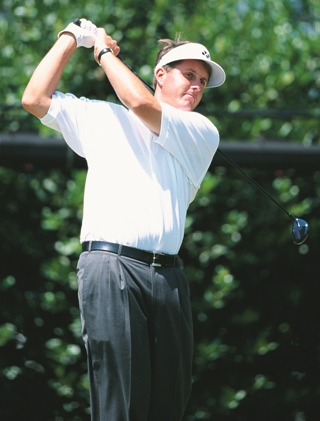 Phil Mickelson tees off at the 1999 U.S. Open at Pinehurst No. 2.